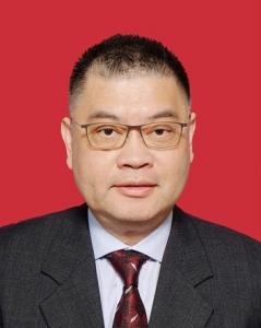 尹偉強先生