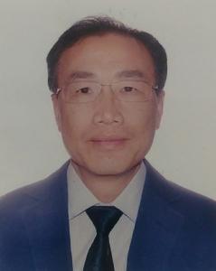 尹校祥先生